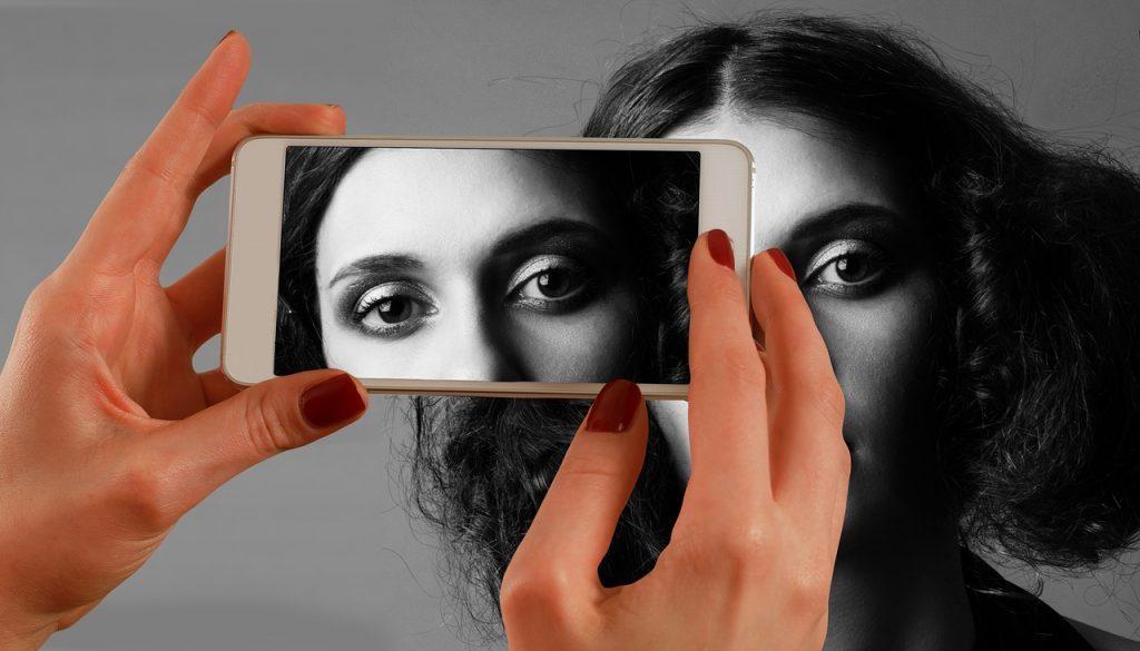 smartphone 1733892_1280